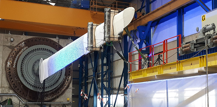 Wind turbine blade in lightweight manufacturing centre